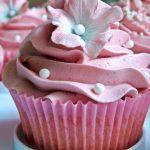 Hallon och vanilj cupcakes