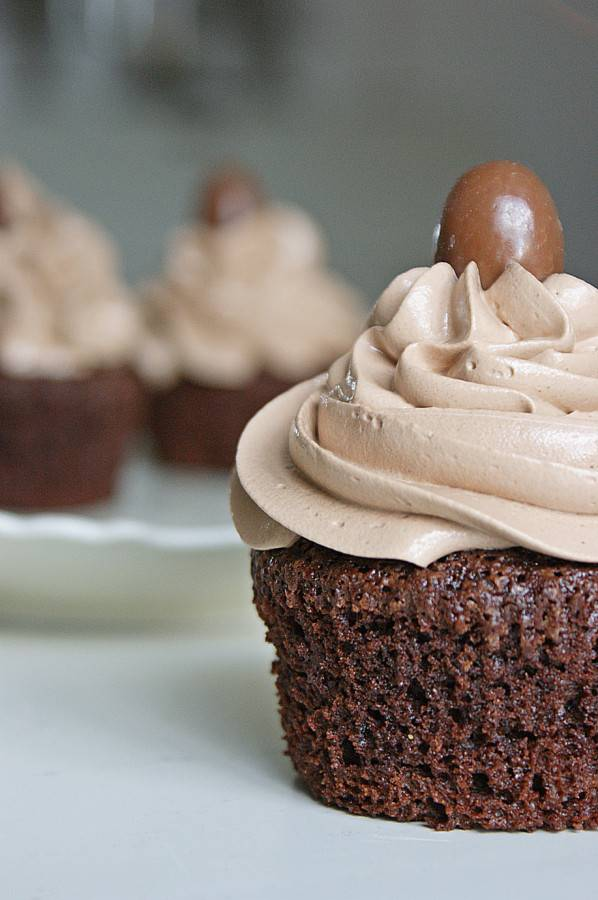 Chocolate Cappuccino Cupcakes 03