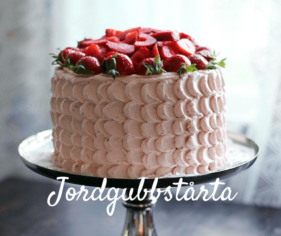 tårta med jordgubbar och rabarber